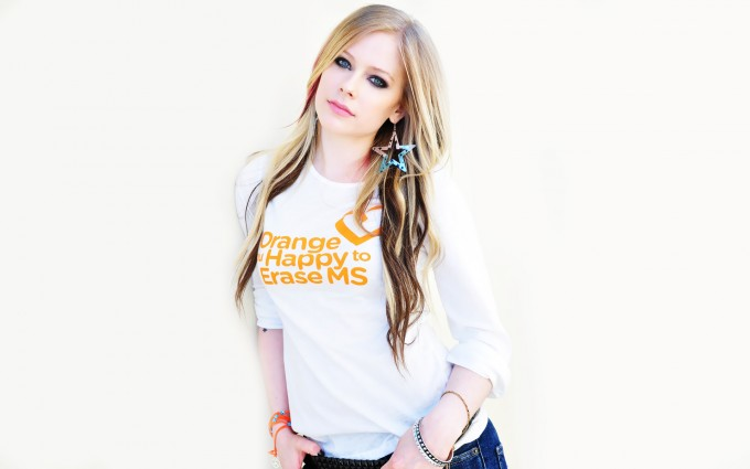 Avril Lavigne Wallpapers white t shirt cute