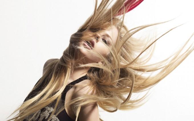 Avril Lavigne Wallpapers hair flying