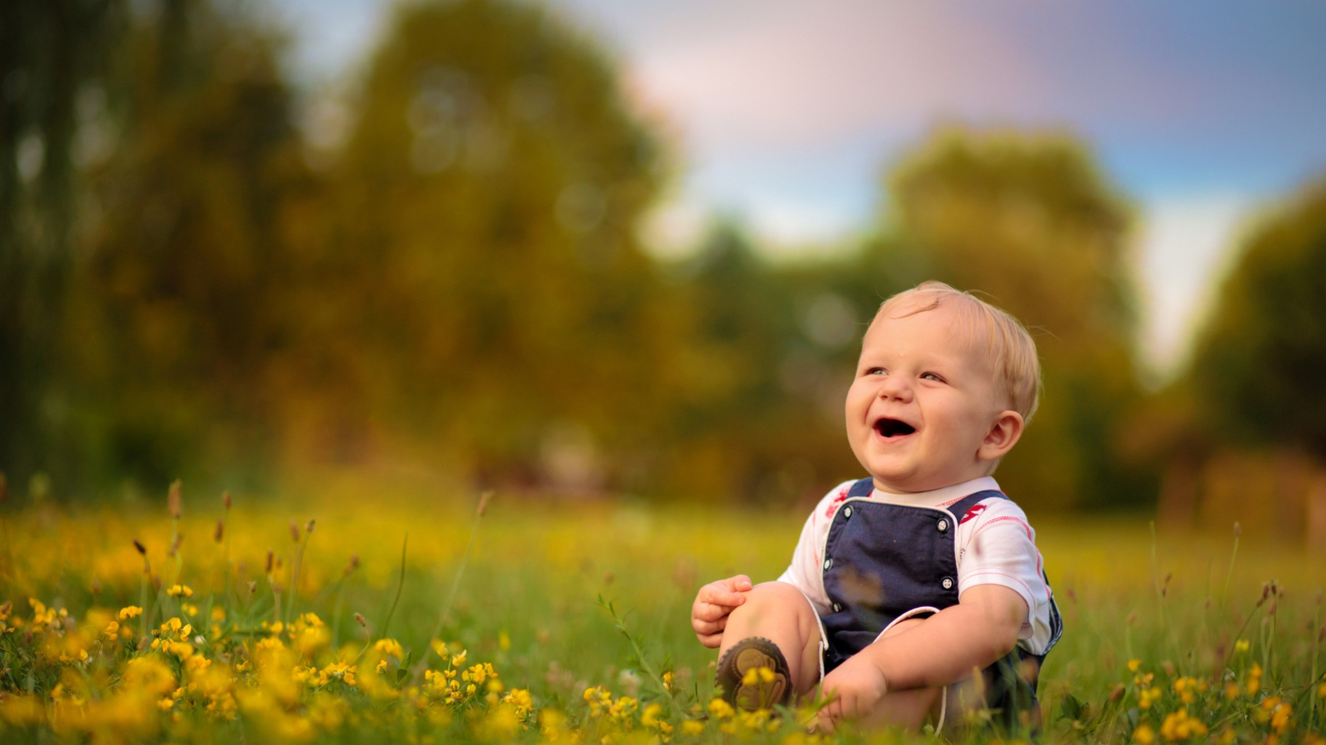 Laughing baby wallpapers SF