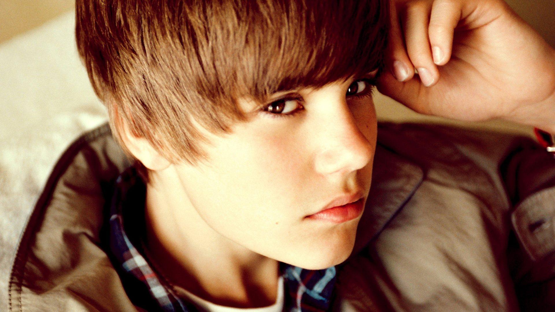 Justin Bieber wallpapers eyes
