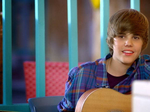 Justin Bieber wallpapers smile