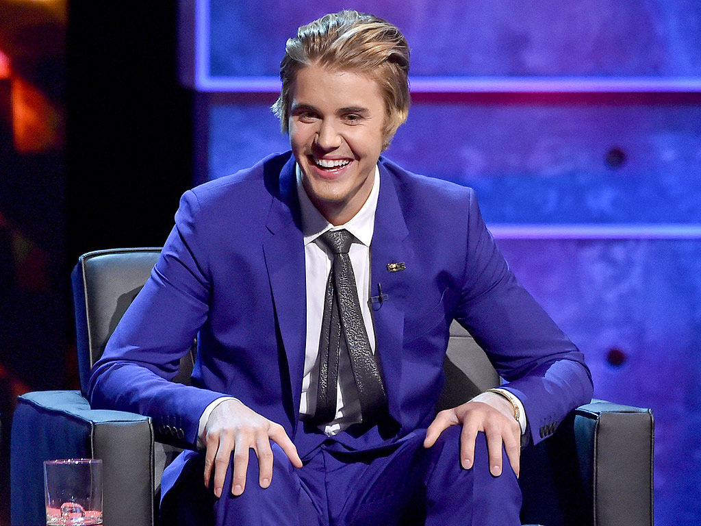 Justin Bieber wallpapers suit