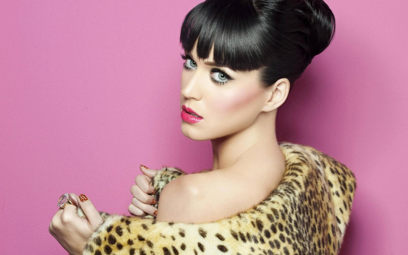Katy Perry Wallpaper leopard dress
