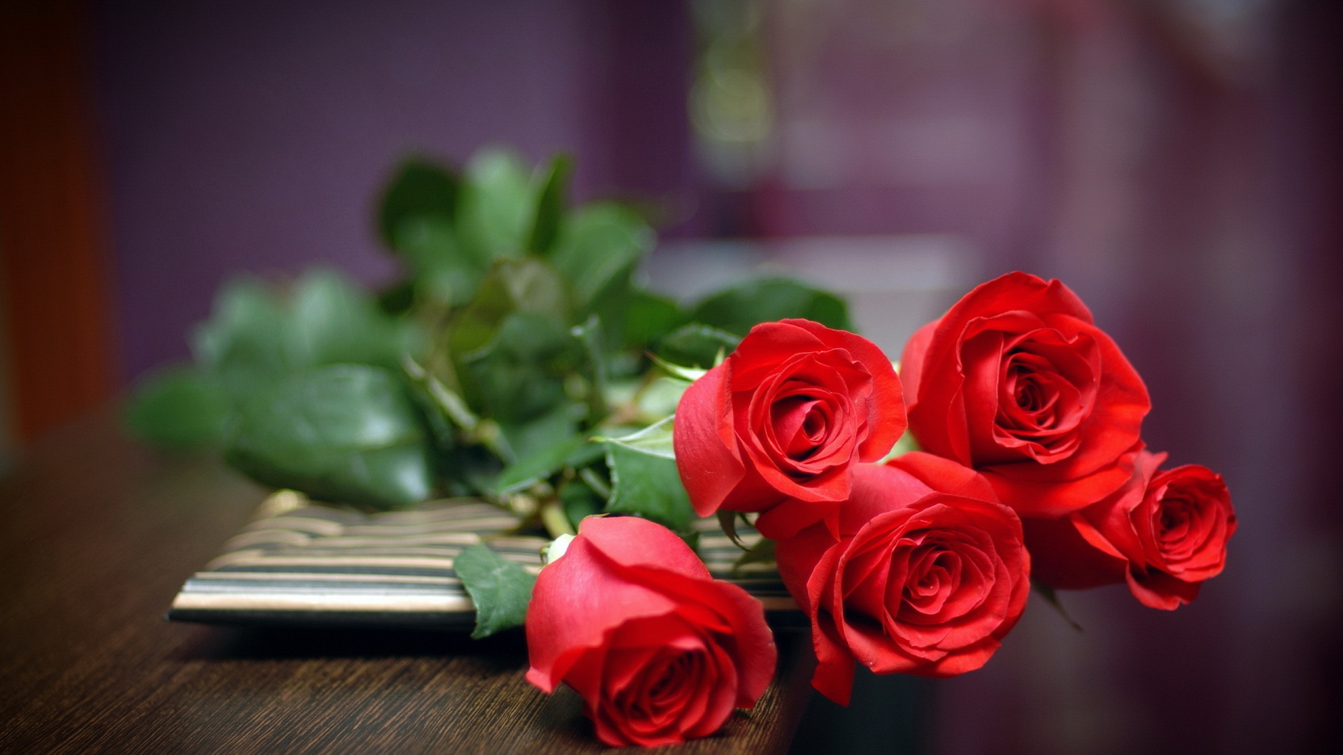 Red Roses Wallpapers HD A24