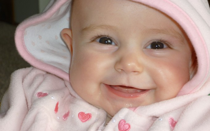 baby wallpapers with smile