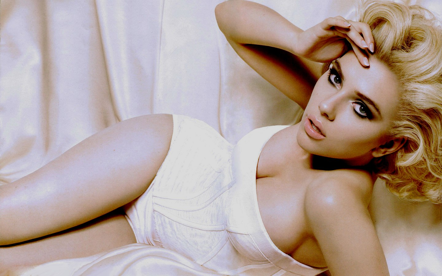scarlett johansson wallpapers HD sexy white dress
