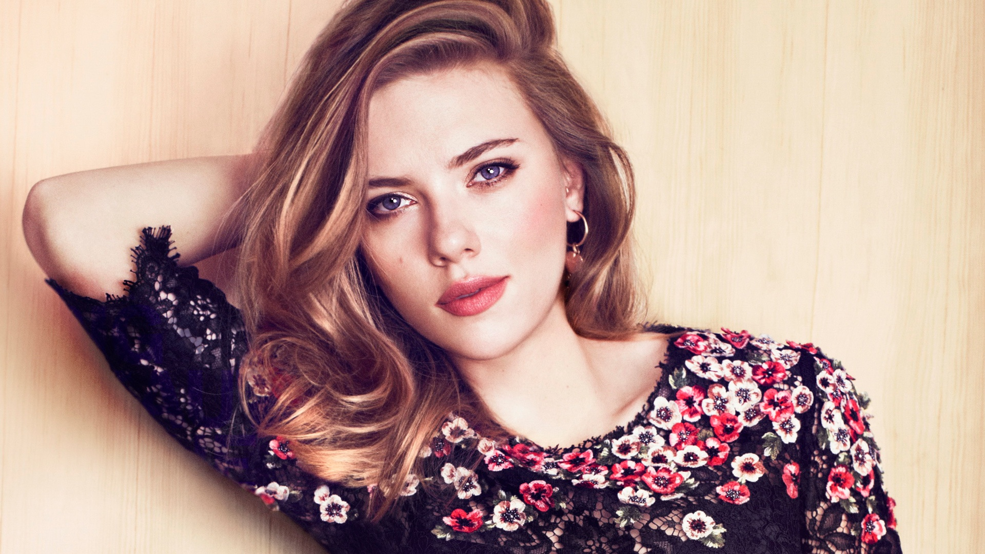 scarlett johansson wallpapers HD cute flower
