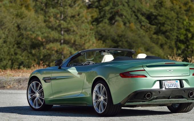 Aston Martin Vanquish Wallpaper green