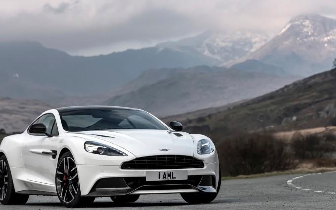 Aston Martin Vanquish Wallpapers White road