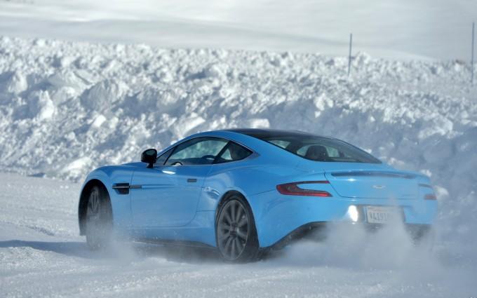 Aston Martin Vanquish Wallpapers blue