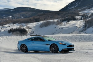 Aston Martin Vanquish Wallpapers blue A1