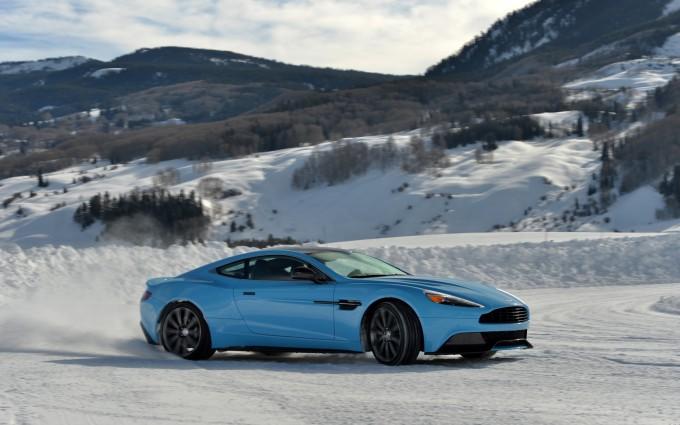 Aston Martin Vanquish Wallpapers blue A1
