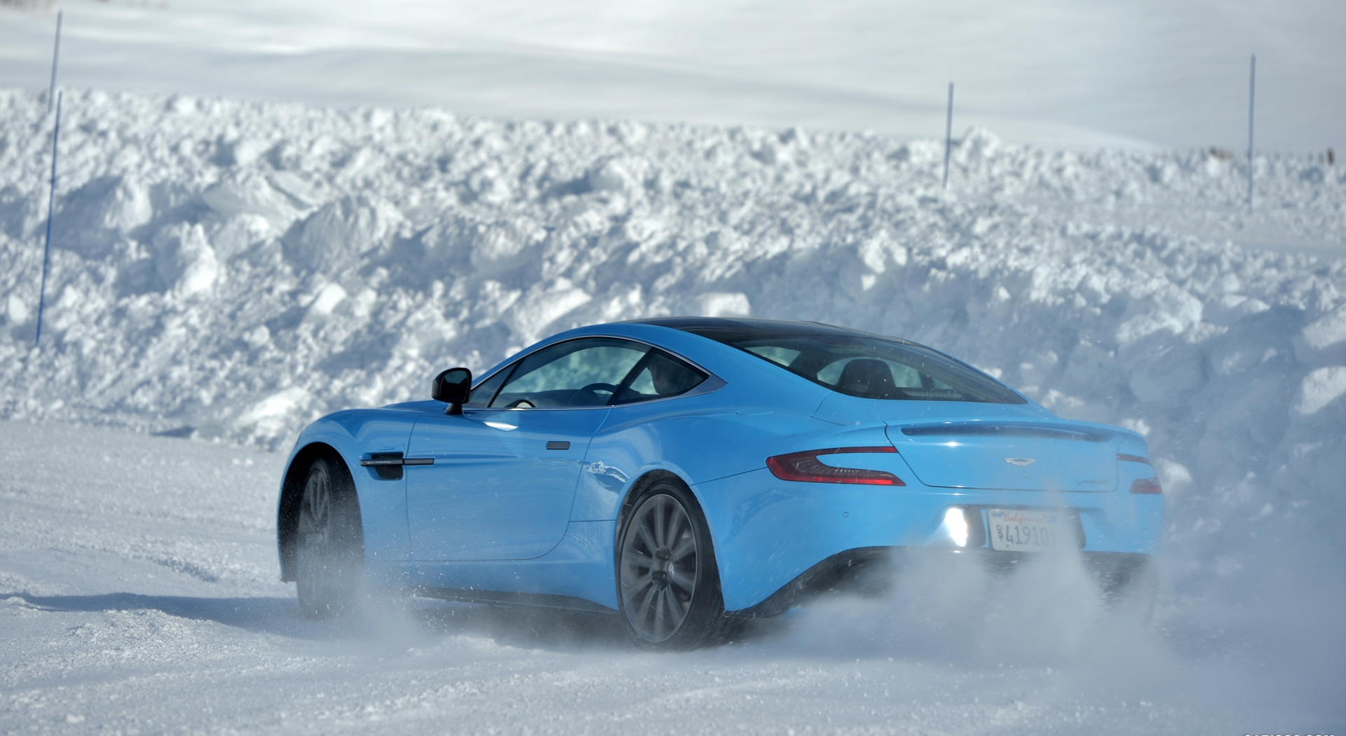 Aston Martin Vanquish Wallpapers blue