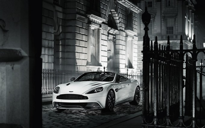 Aston Martin Vanquish Wallpapers carbon
