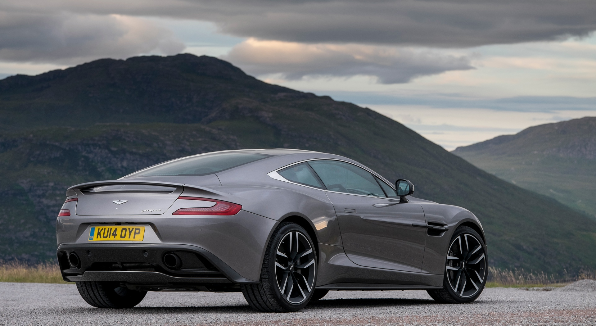 Aston Martin Vanquish Wallpapers cool