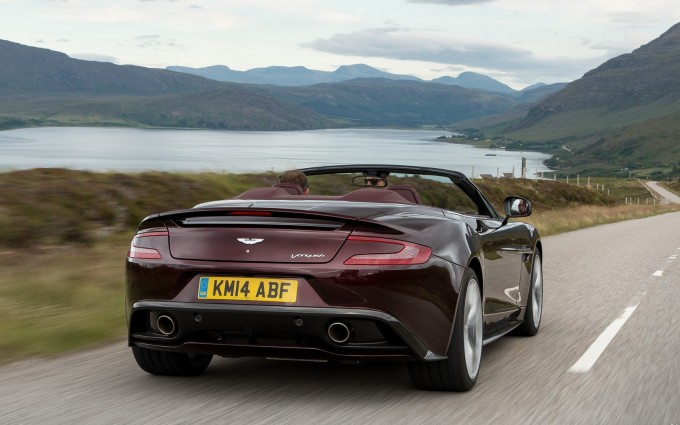 Aston Martin Vanquish Wallpapers road