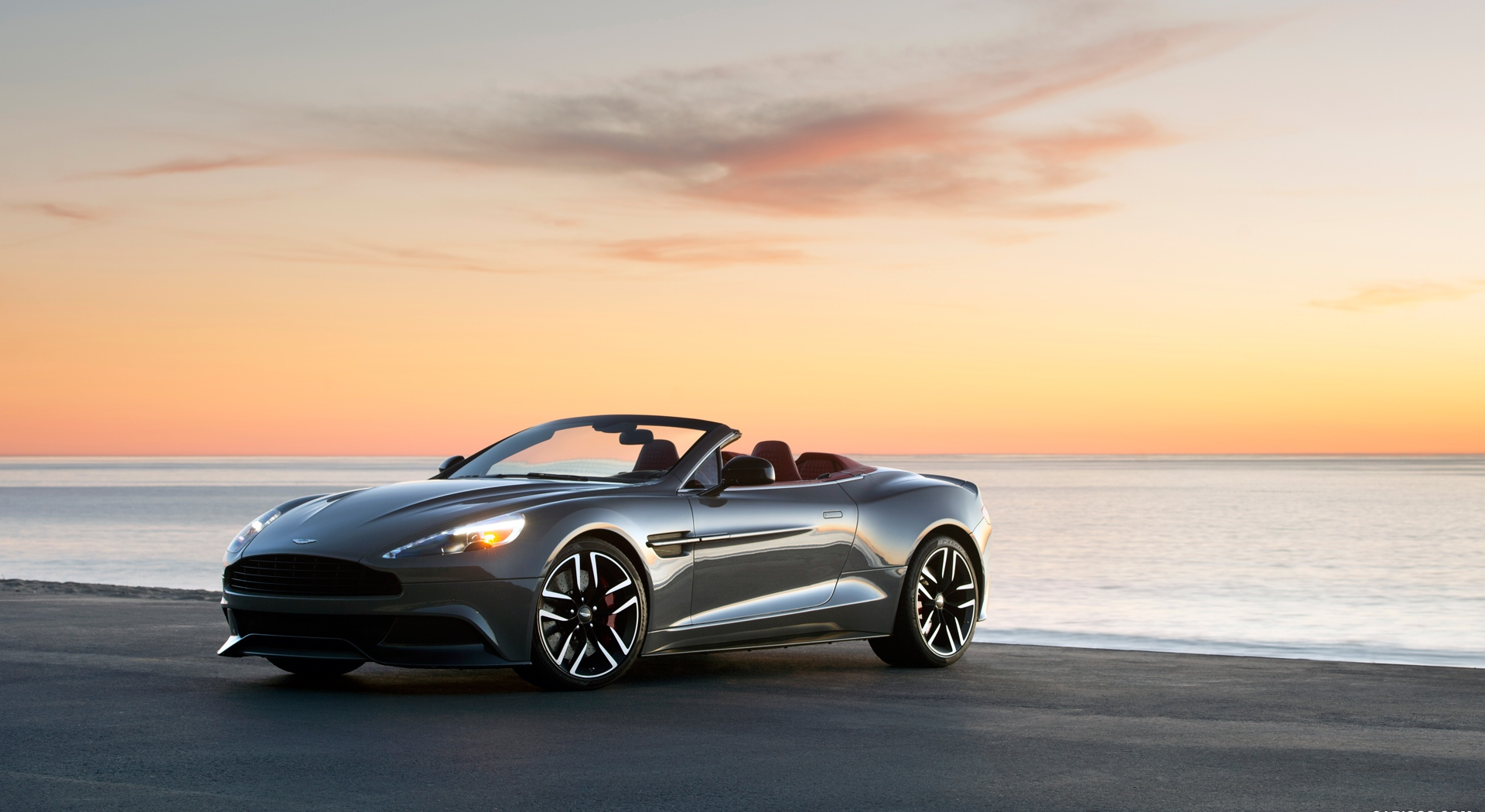 Aston Martin Vanquish Wallpapers sunrise