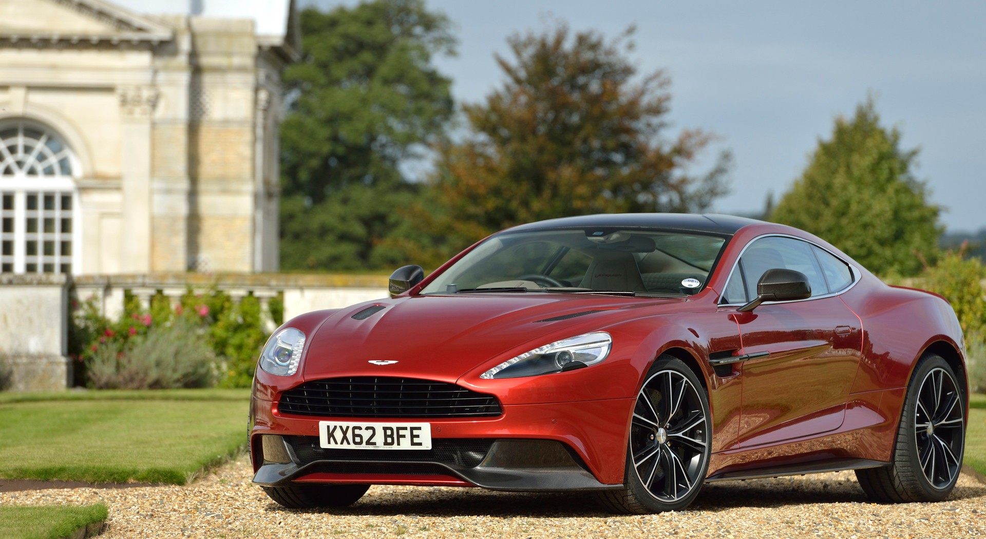 Aston Martin Vanquish Wallpapers villa