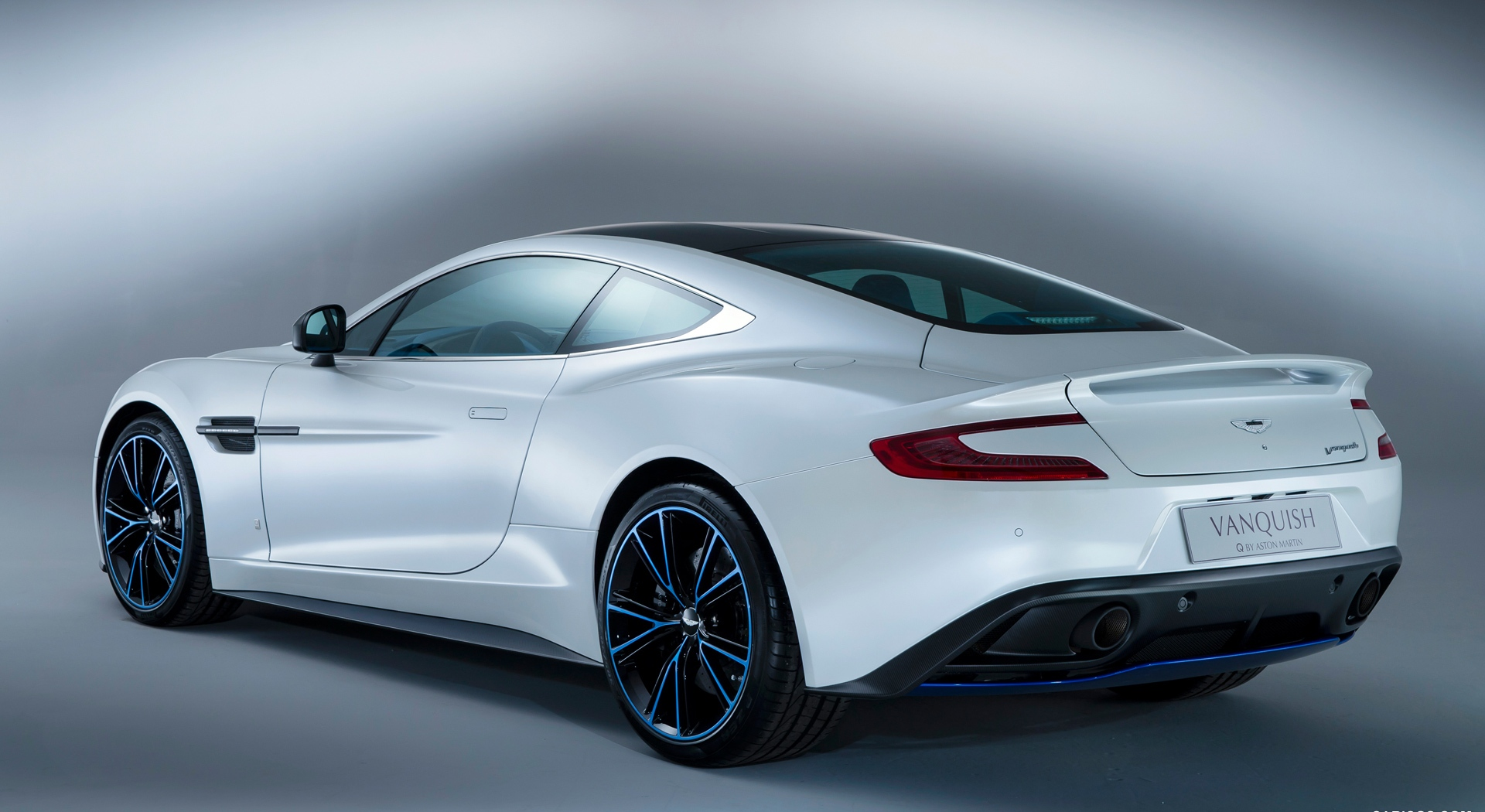 Aston Martin Vanquish White awesome