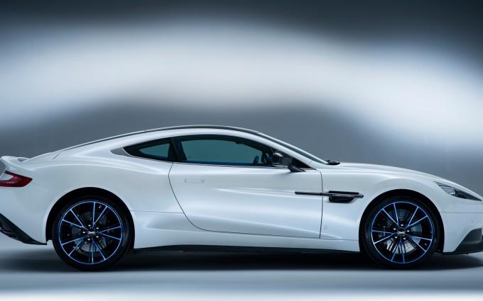 Aston Martin Vanquish White cool