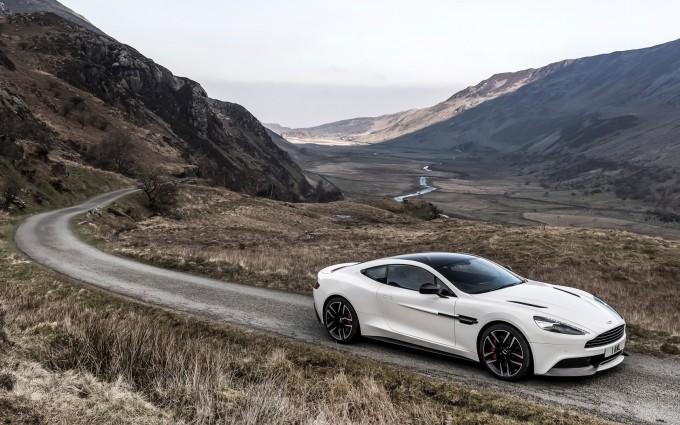 Aston Martin Vanquish White image