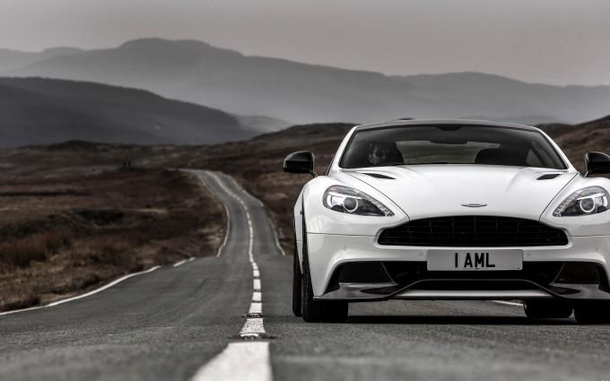 Aston Martin Vanquish White photo