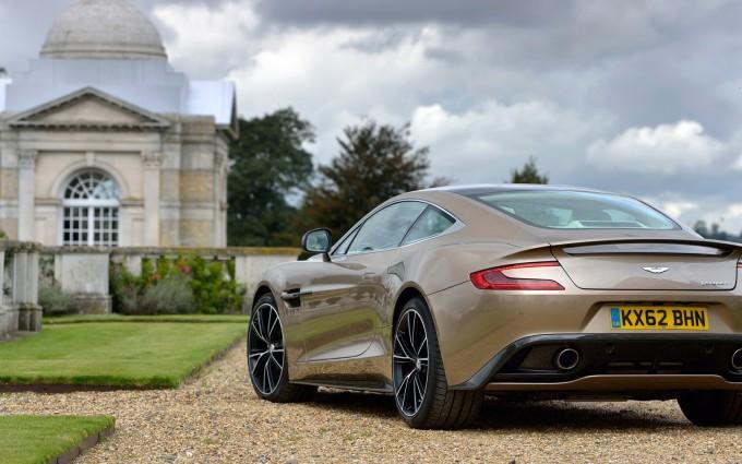 Aston Martin Vanquish beautiful house