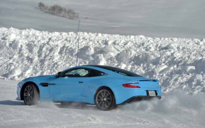 Aston Martin Vanquish blue A3