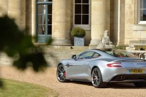 Aston Martin Vanquish images A2