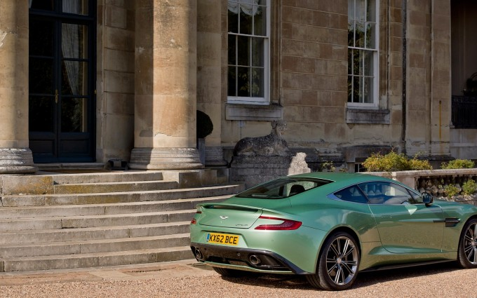 Aston Martin Vanquish pictures A1