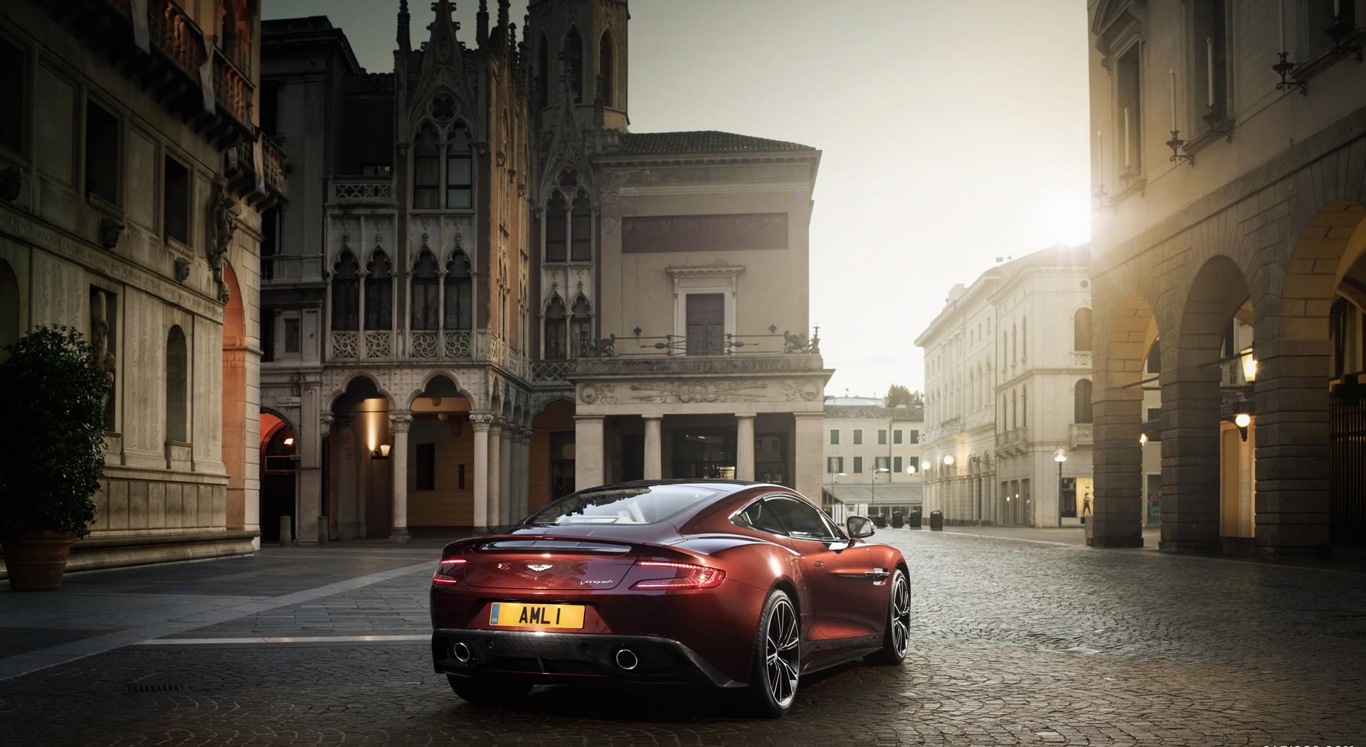 Aston Martin Vanquish stunning