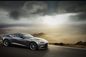 Aston Martin Vanquish v12 nature