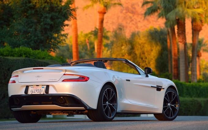 Aston Martin Vanquish white HD