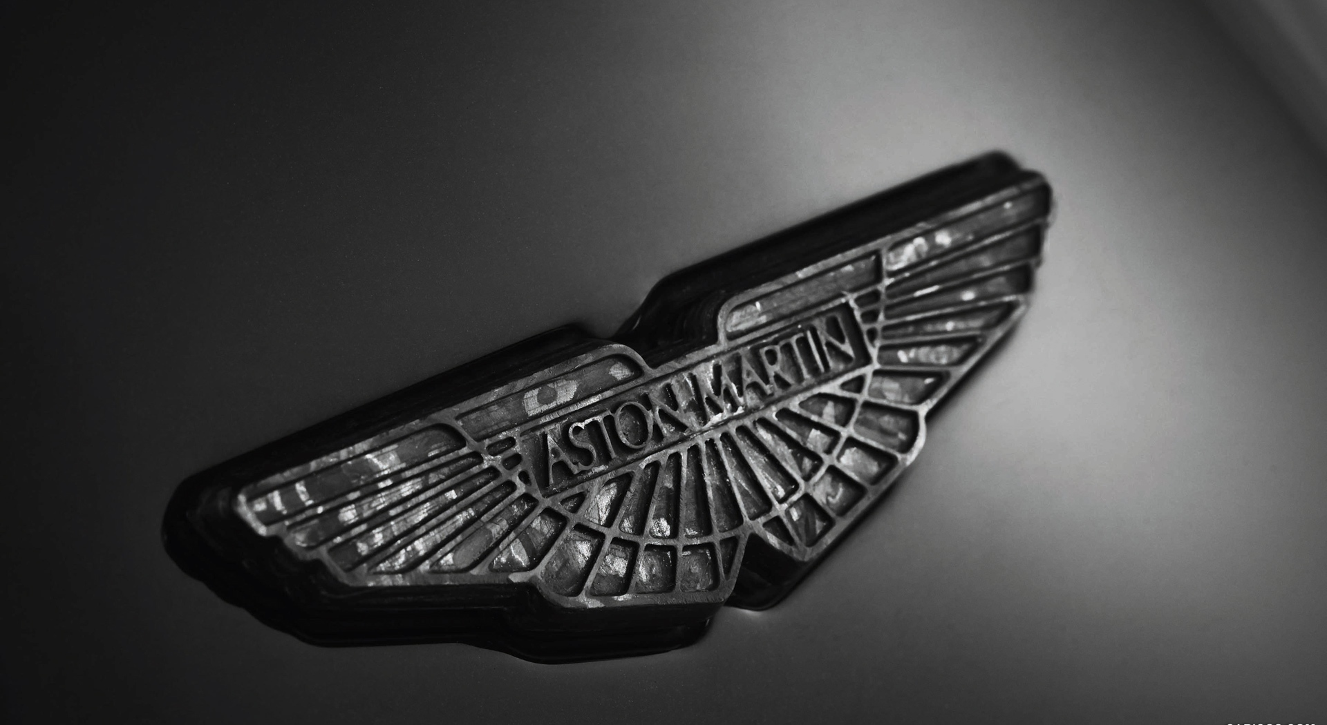 Aston Martin Wallpapers logo