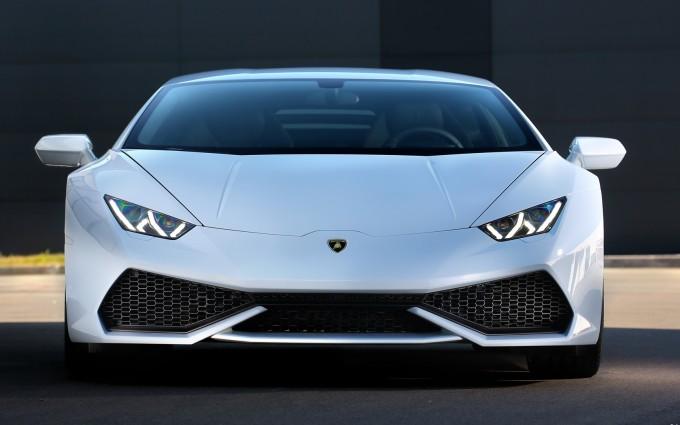 Lamborghini Huracan white picture