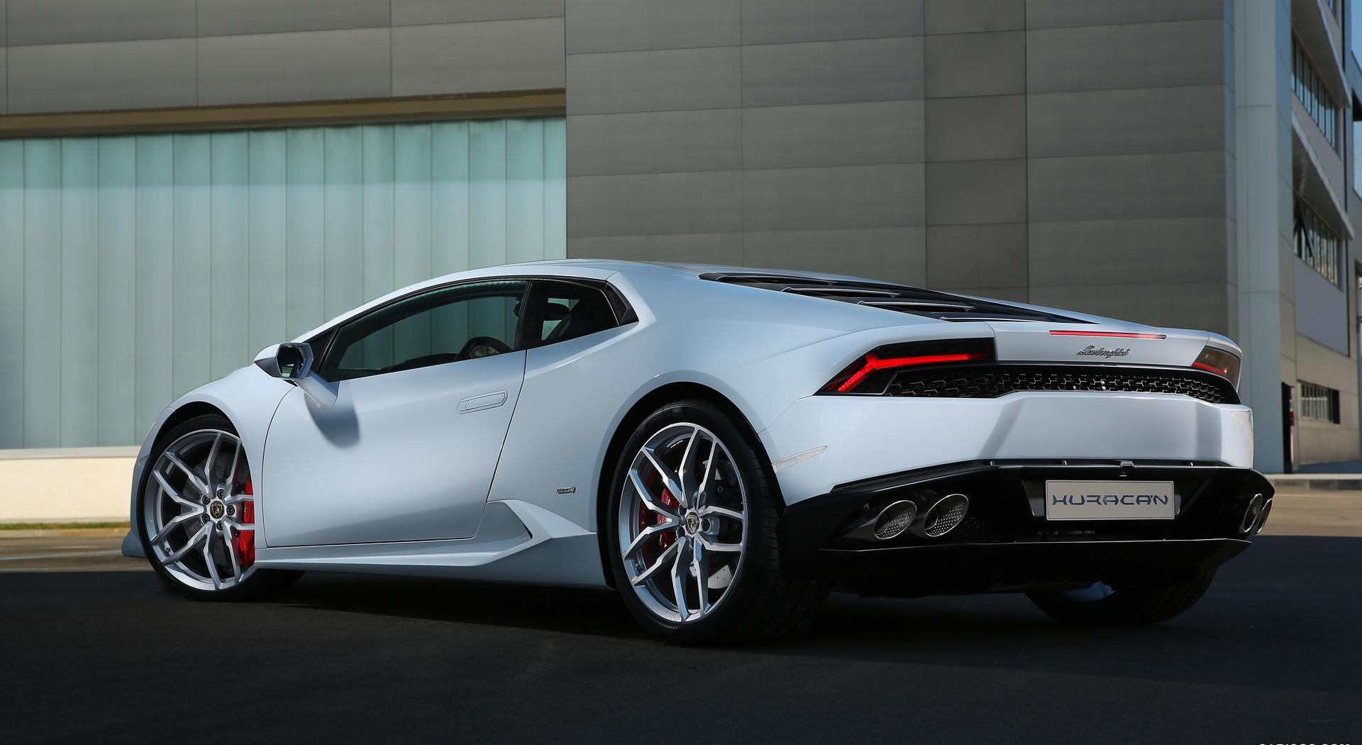 Lamborghini Huracan White Hd Desktop Wallpapers 4k Hd