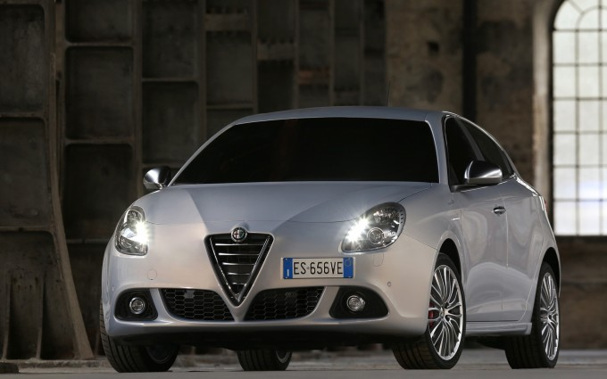 alfa romeo giulietta wallpaper side white