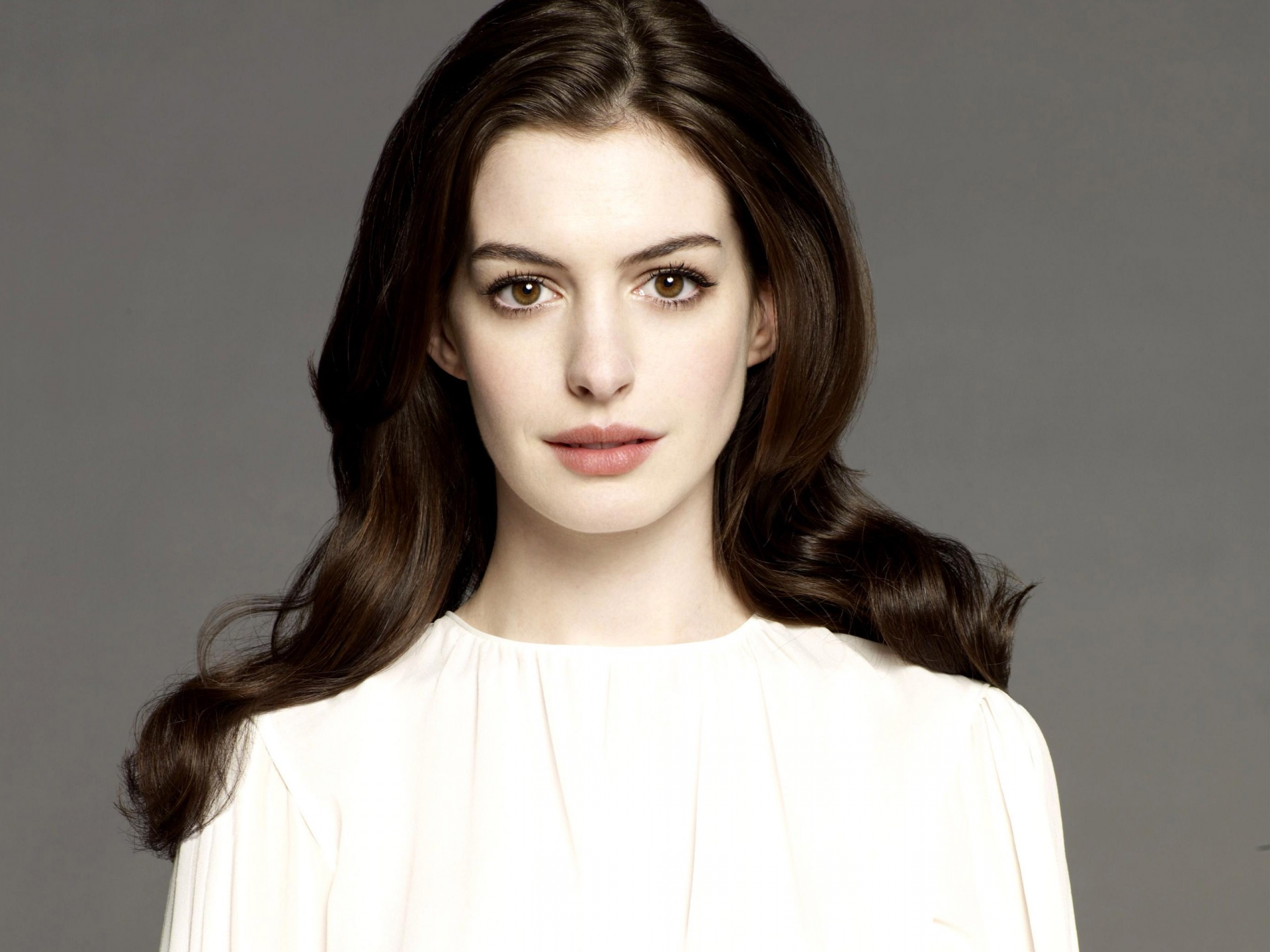 anne hathaway wallpapers hd A4