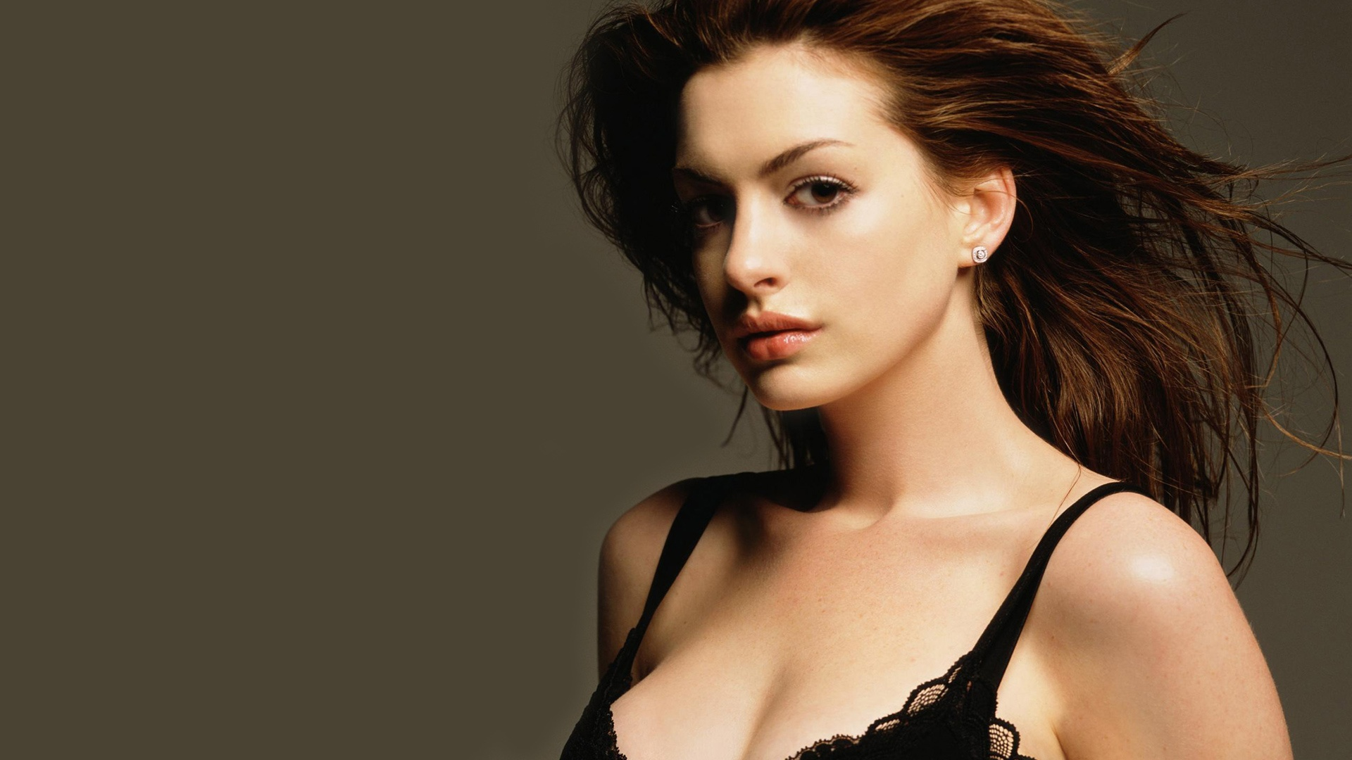 anne hathaway wallpapers hd A6