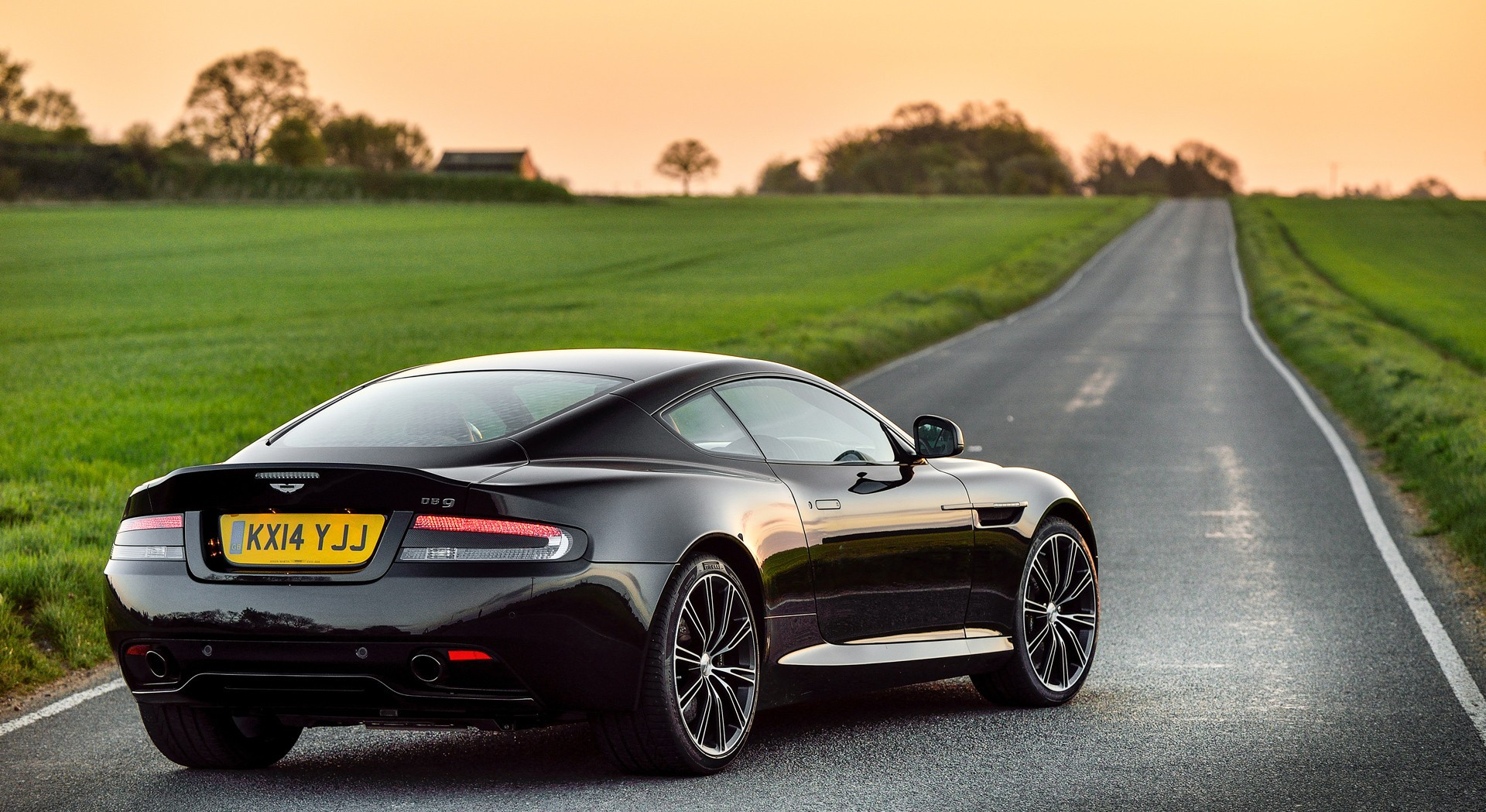 Astin Martin Db9 Wallpaper Widescreen
