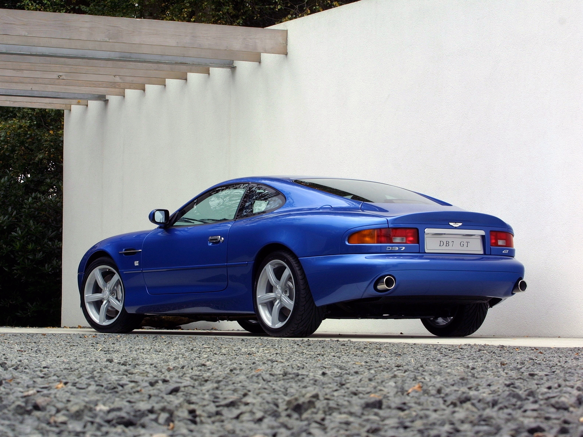 aston martin db7 blue