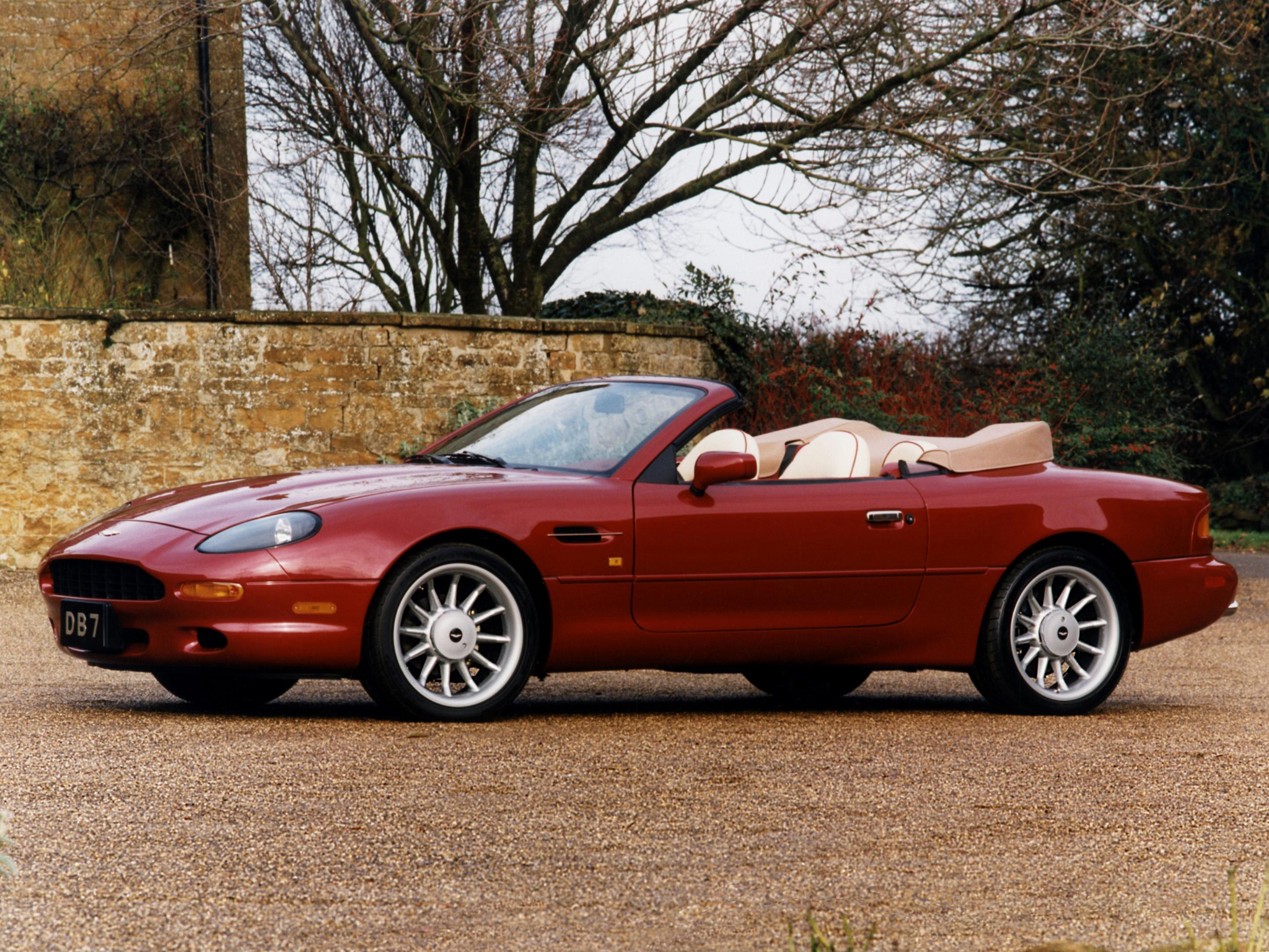 aston martin db7 red