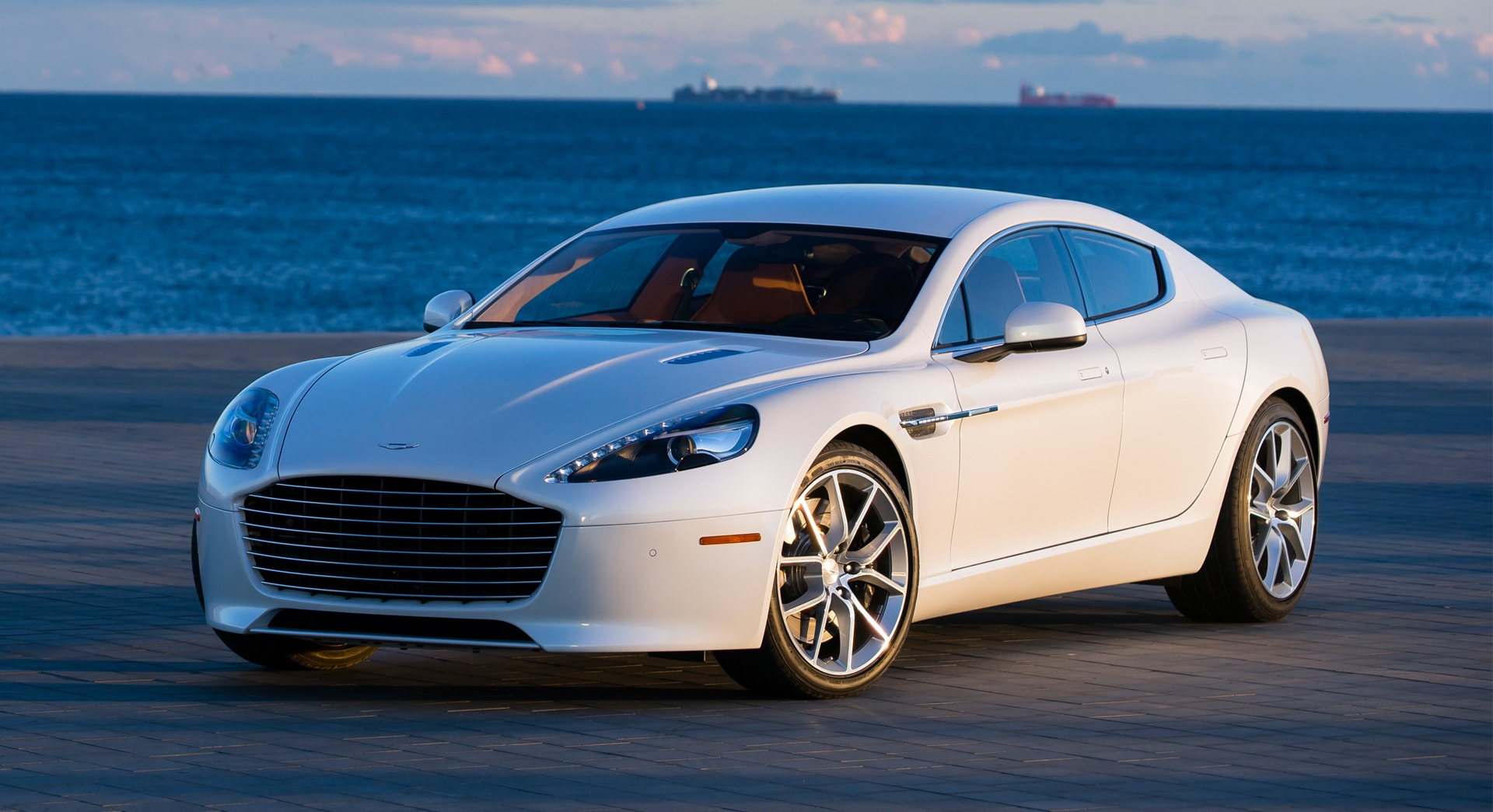 aston martin rapide beach hd desktop wallpapers 4k hd. Black Bedroom Furniture Sets. Home Design Ideas