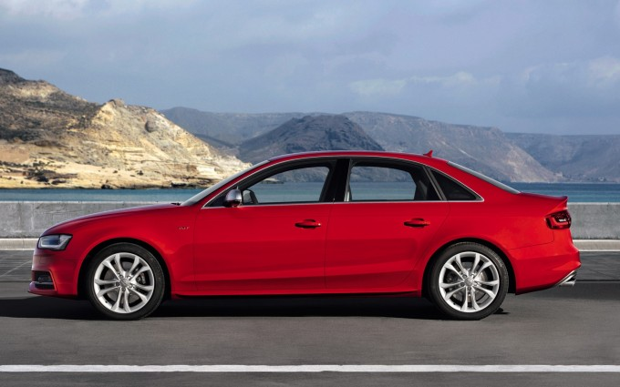 audi s4 red sides