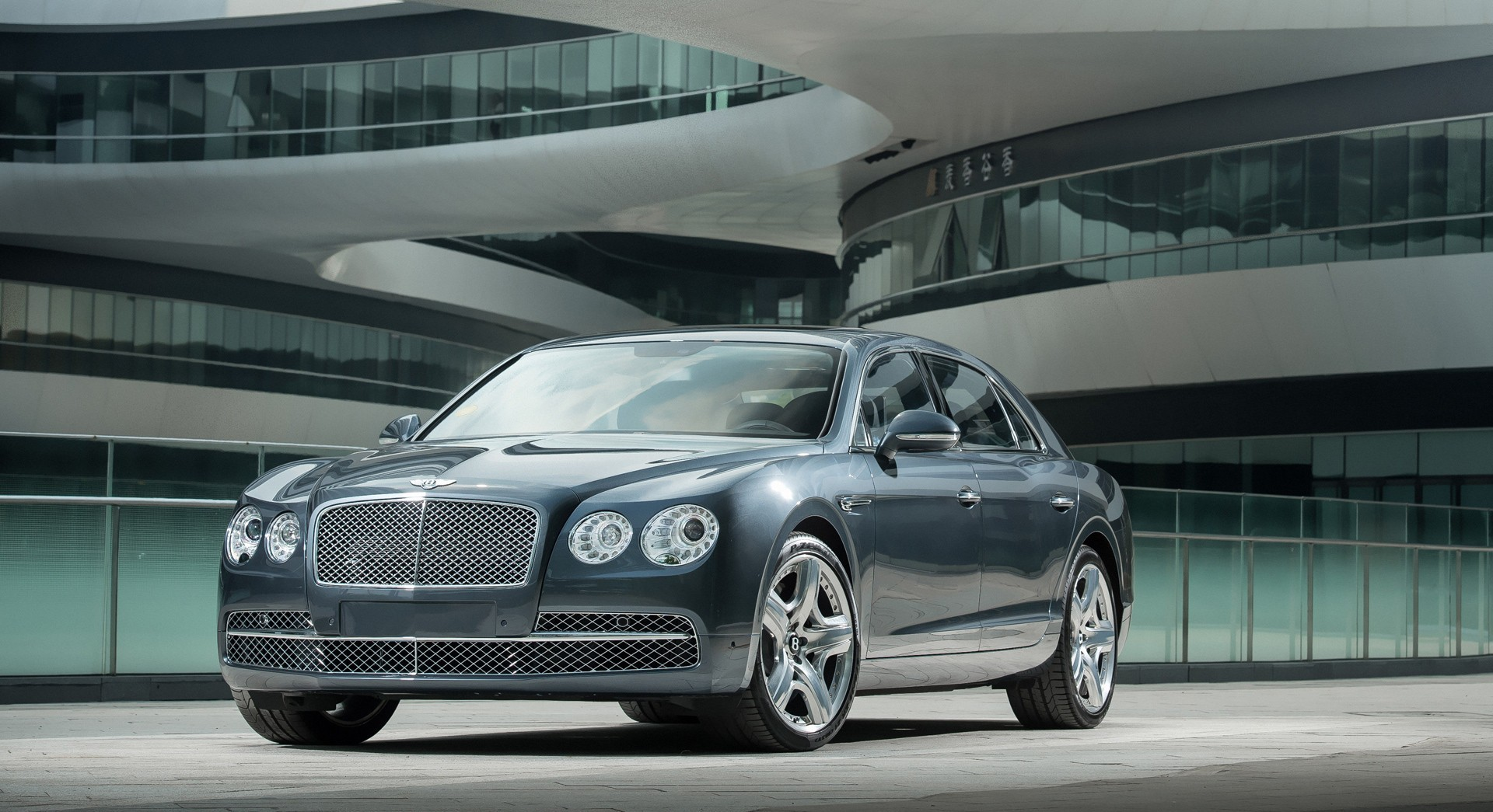 bentley flying spur beautiful wodescreem