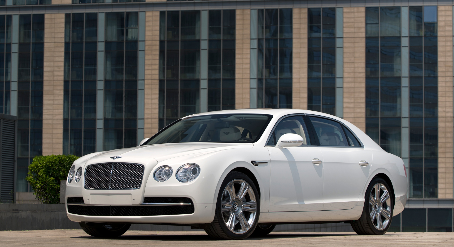 bentley flying spur white hd desktop wallpapers 4k hd. Black Bedroom Furniture Sets. Home Design Ideas