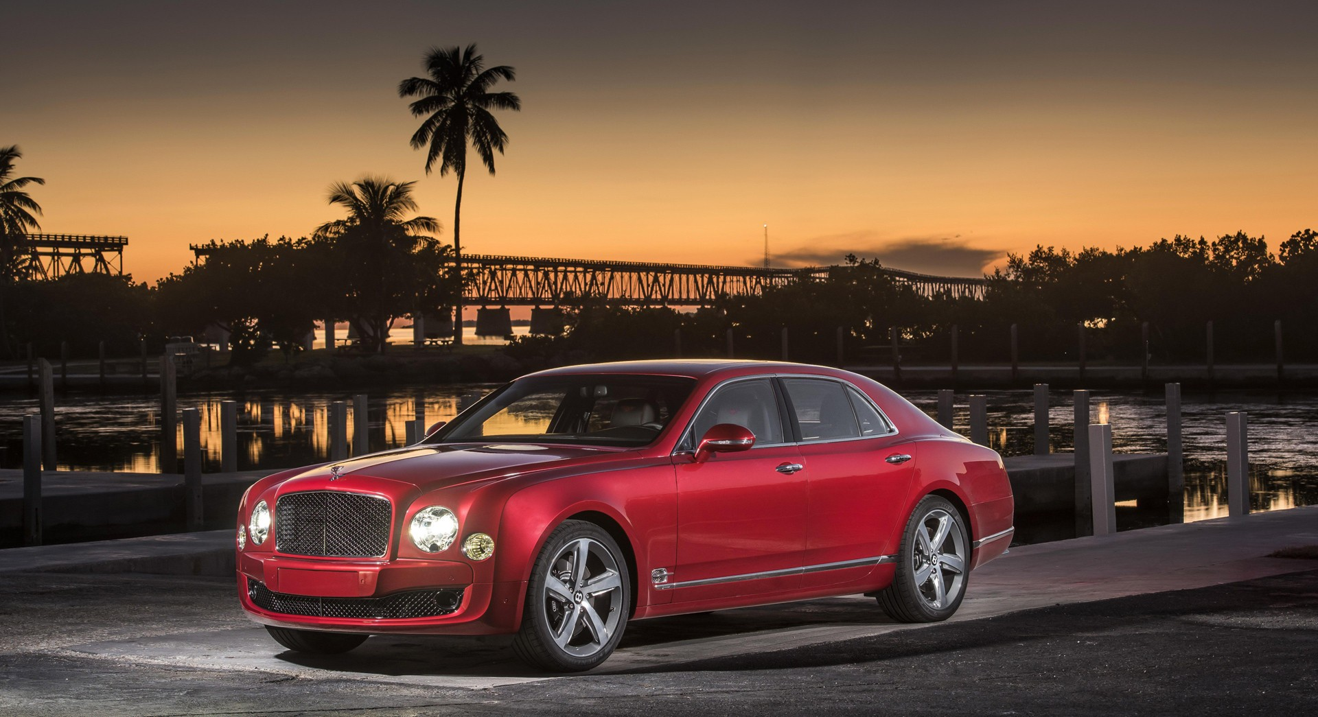 bentley mulsanne red