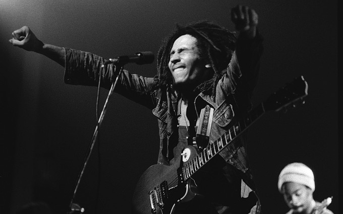 NEW YORK - MAY 01: Bob Marley performs live on stage at the New York Academy of Music in Brooklyn, New York on MAY 01 1976 (Photo by Richard E. Aaron/Redferns)