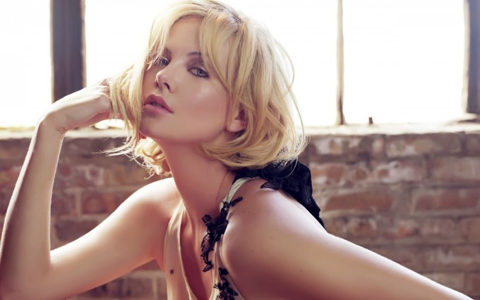 charlize theron wallpapers hd A5