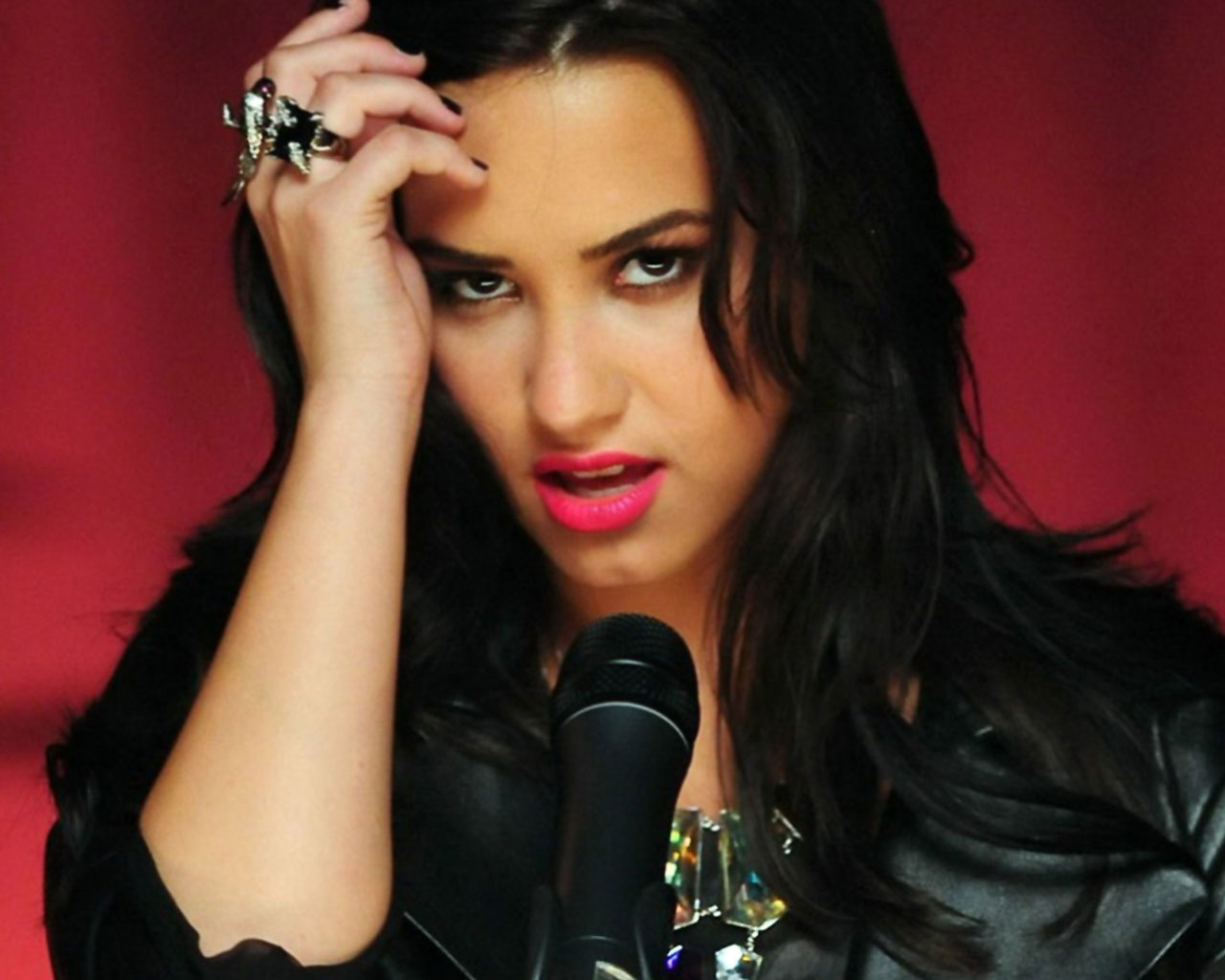 demi lovato wallpapers hd a12